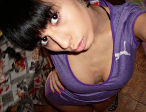 Roxane is looking for adult webcam chat