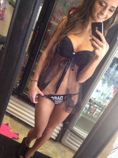 Melanie is looking for adult webcam chat