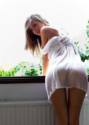Herma from Vista, California is looking for adult webcam chat