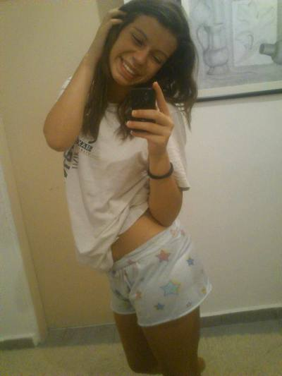 Emilia from Waterbury, Connecticut is looking for adult webcam chat