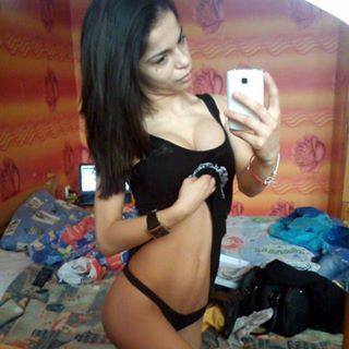 Bobbi from Bernalillo, New Mexico is looking for adult webcam chat