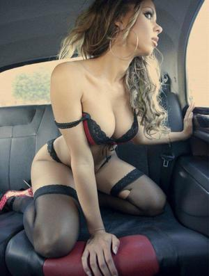 Aura from Triangle, Virginia is looking for adult webcam chat