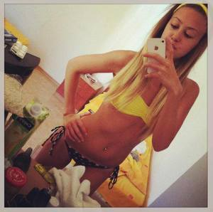 Tosha from  is looking for adult webcam chat