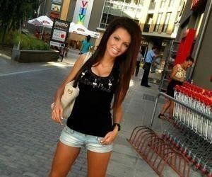 Britta from Indiana is looking for adult webcam chat